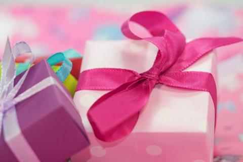 giftboxes-pastel