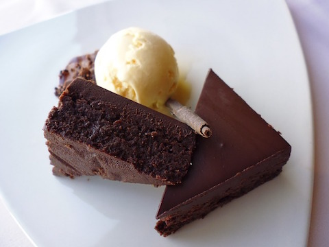 chocolate-cake-icecream